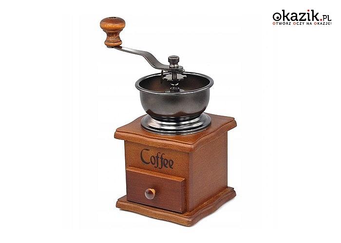 Drewniany młynek do kawy