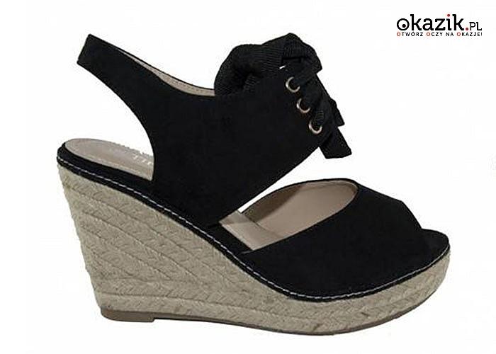 62945807 Eleganckie buty damskie na wysokich koturnach: klasyczny styl, elegancja i  wygoda. (39,99 zł)