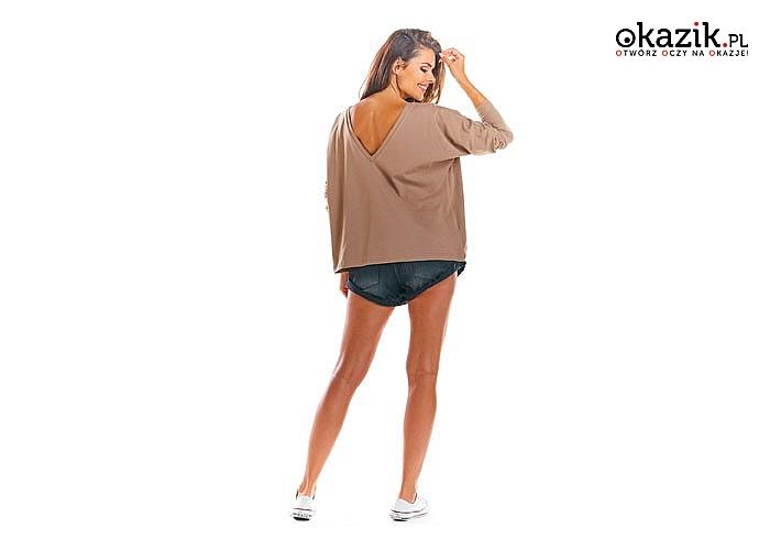Luźna koszulka z dekoltem, który możesz nosić zarówno z przodu, jak i z tyłu! Najwyższa jakość wykonania! Modny fason!