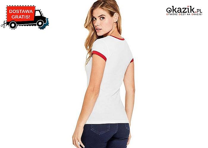 Elegancja w sportowym wydaniu. Damska koszulka Guess o prostym fasonie