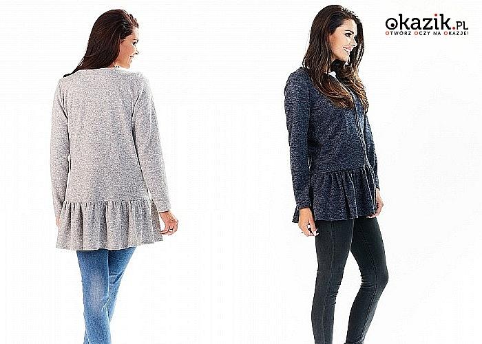 Sweter damski z falbanką Awama zapewni Ci nietuzinkową stylizację