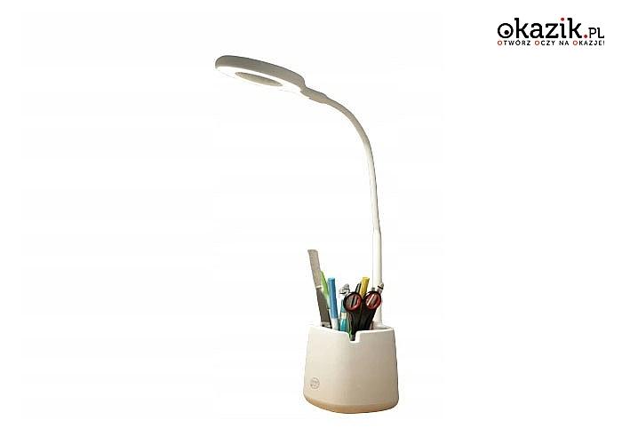Designerka lampka na biurko z organizerem stanowi piękną dekorację a także praktyczny gadżet