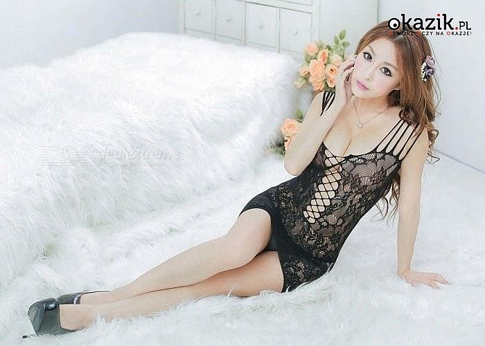 Intrygująca w swym wyglądzie siateczkowa  mini sukienka to model, który na pewno rozbudzi zmysły mężczyzn do czerwoności