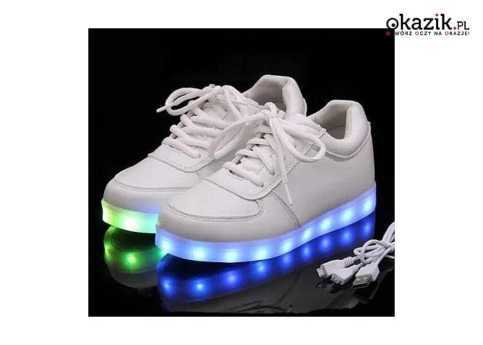 Zaskocz innych i zabłyśnij z nowymi butami LED ! Zatańcz w nich, idź na spacer lub po prostu oświetl sobie drogę