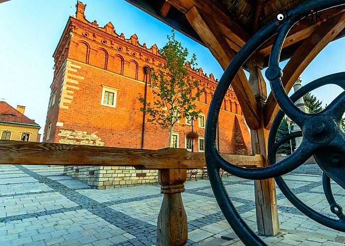 Poznaj Polskę! Wycieczka szlakiem renesansu! 2 noclegi ze śniadaniami! Przejazd autokarem!