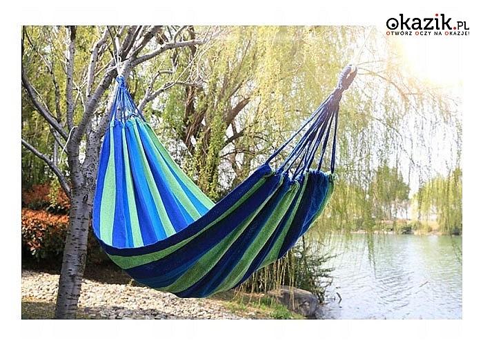 Hamak idealny na relaks w ogrodzie lub balkonie w letnie dni
