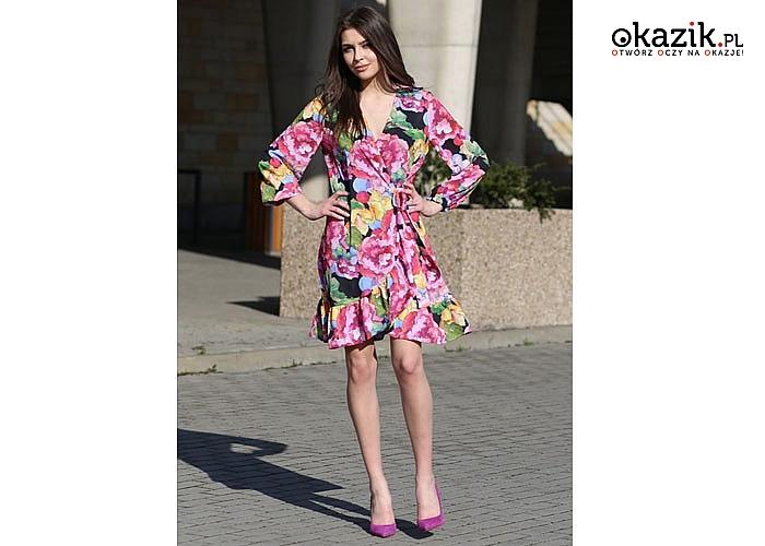Kopertowa sukienka idealnie modelująca sylwetkę , jednocześnie tuszuje jej ewentualne mankamenty