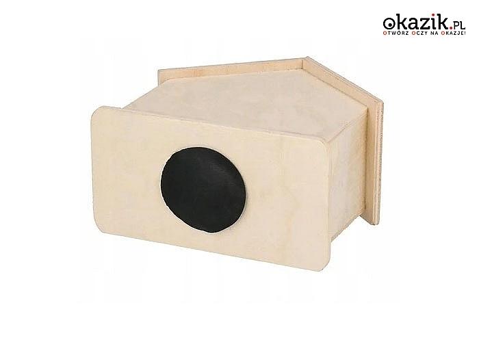 Drewniana skarbonka w kształcie domku, będzie idealnym prezentem dla każdego dziecka na różne okazje