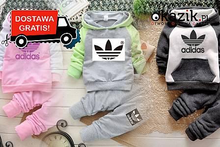 Modny dres Adidas przeznaczony zarówno dla dziewczynek jak i chłopców. Wysyłka gratis (125 zł)