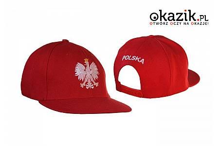 KIBICOWSKA CZAPKA z daszkiem z wyszywanym orłem i napisem Polska z tyłu. Model unisex w uniwersalnym rozmiarze