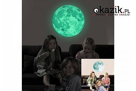 Spędzaj każdy wieczór w romantycznym blasku księżyca w pełni za sprawą fluorescencyjnej naklejki