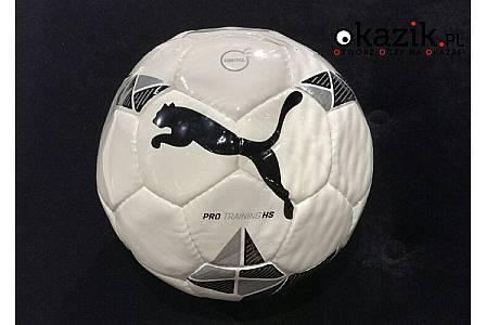 Do gry na nawierzchniach naturalnych – piłka PUMA Pro Training HS dla małych i dużych fanów futbolu!